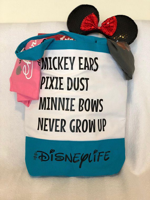 This is a must-have Disney bag for any Disney fan! It's totally necessary for everything from a day at a Disney parks, an awesome Disney cruise, or just a trip to the grocery store or library. #disneylife #disneycruise #disneyland #disneyworld